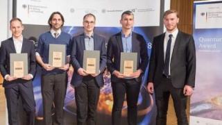 Quantensprung: 1. Nachwuchs-Akademie und Preisverleihung des BMBF