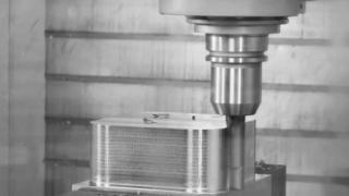 CHIRON FZ 16 S five axis I Leistungsfräsen: 1.000 cm³ in Stahl!