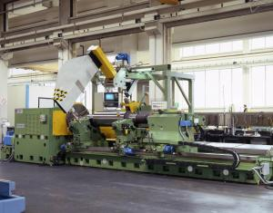 Wheel moving cylindrical and roll grinding machine series R/152-CNC