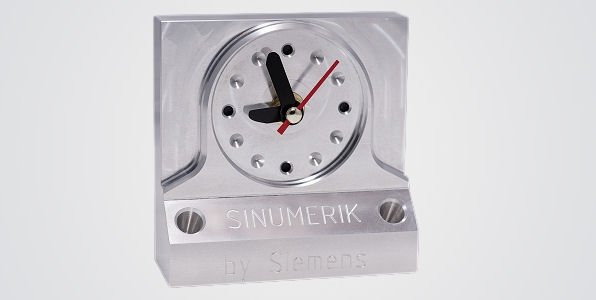 Workpiece -  Table clock and pencil holder