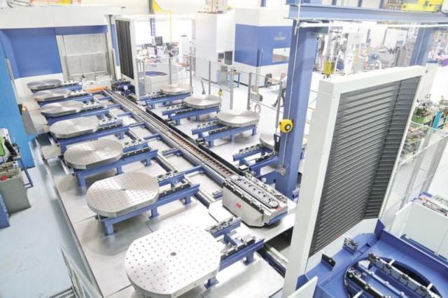 Bericht zur Hausausstellung von SMM - 12-fach-Palettenwechsler sorgt für flexible Automation