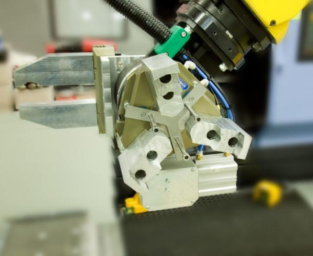 Kleinere Losgrößen kostengünstig produzieren (2/3): Roboterhandling und Greifen