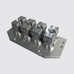 Hydraulic self-centering clamping vises HZS