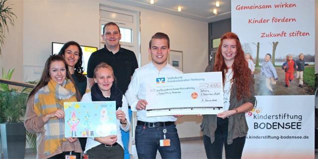 ifm engagiert sich: Adventskalenderverkauf der Kinderstiftung Bodensee