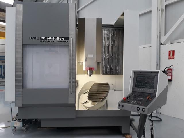 Inspected Deckel Maho vertical machining center by Nicolas Correa Service