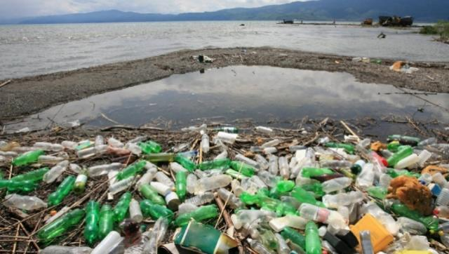 Alarming report: Mismanaged waste 'kills up to a million people a year globally'