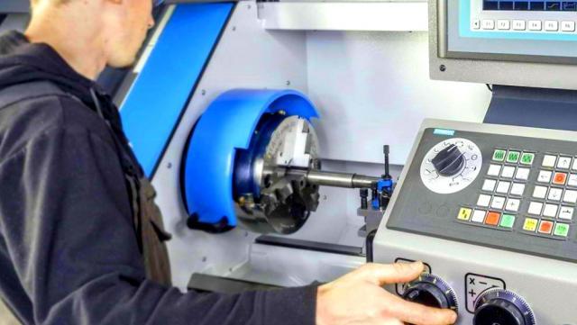 Wartung & Service - Die Verfügbarkeit Ihrer Produktionsmaschinen ist Ihr Kapital