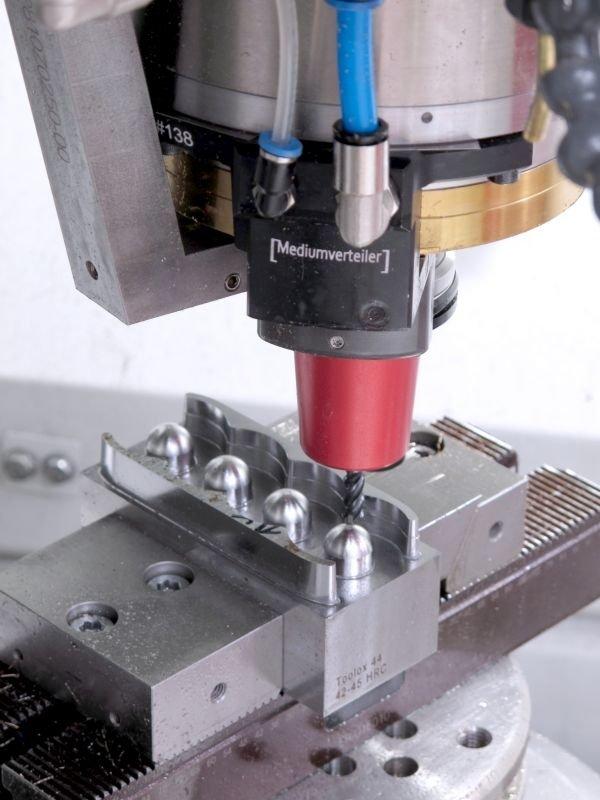 Entdecken Sie die effiziente Prototypenherstellung von Röders auf der METAV 2020!