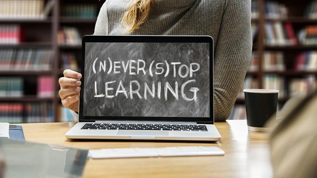 Einfach online lernen.