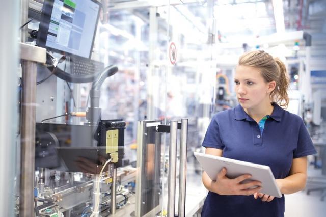 New corporate culture in smart factories