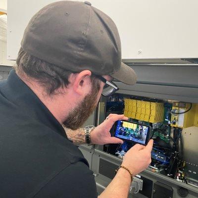 FANUC unterstützt Hersteller mit digitalen Dienstleistungen