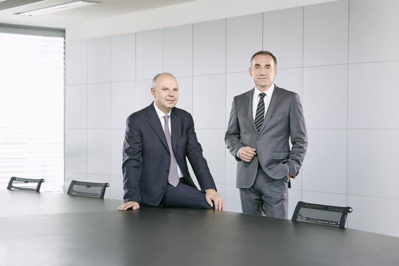 Links: Dr. Thomas Wrede, Vorstand Tebis AG; Rechts: Bernhard Rindfleisch, Vorstandsvorsitzender Tebis AG
