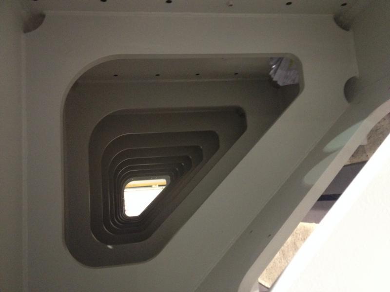 Querträger der VertiMaster AERO 40 DL. An diesem werden die beiden RAMs angebracht