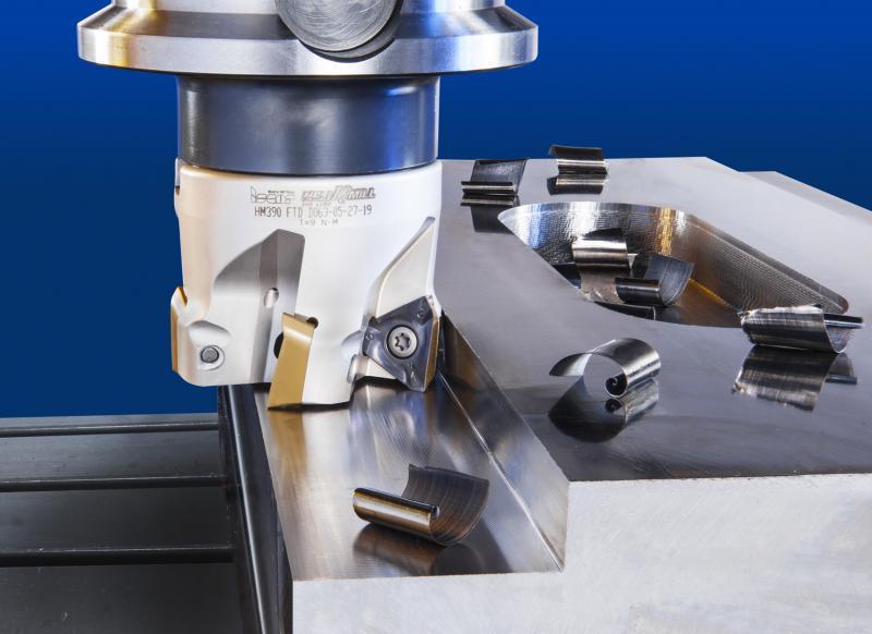 Mit der Serie HELI IQ MILL 390 bietet ISCAR Werkzeuge an, die Schneidplatten mit drei Schneidkanten aufnehmen. Dadurch ergeben sich längere Einsatzzeiten.