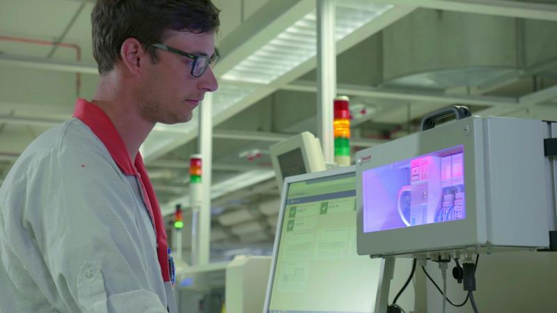 Smart software and hardware for the industrial IoT