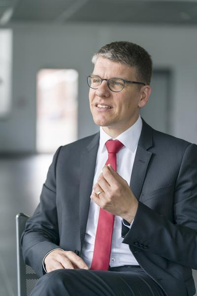 """Dr. Jochen Kress, amember of the board at Mapal Dr. Kress KG, Aalen: """"It no longer suffices to supply the best possible tool. Nowadays, a tool has to come with services like tool management and the corresponding data."""""""