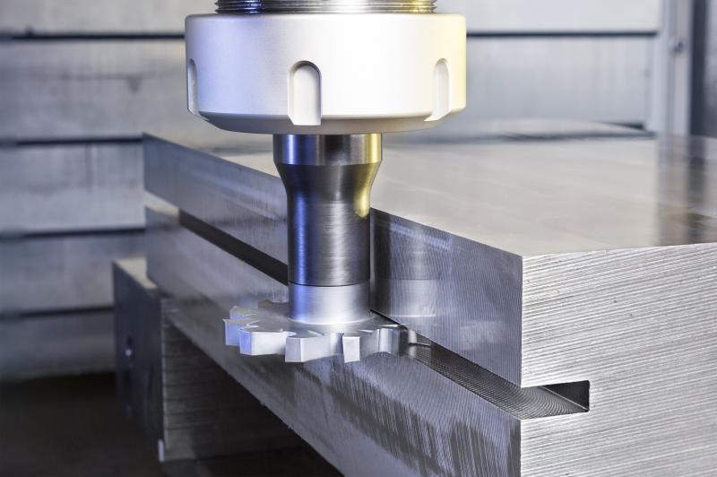 ISCAR hat seine Produktfamilie T-SLOT um Fräser in den Breiten 40 und 50 Millimeter erweitert.