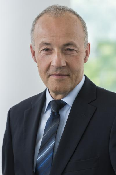 """To quote Bernd Zapf, Head of Development New Business & Technology at Gebr. Heller Maschinenfabrik GmbH in Nürtingen: """"We shall be interfacing our machines with the internet solely via a secure communication computer."""""""