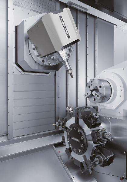 The B-axis with Direct Drive allows 5-axis simultaneous machining of complex workpieces.