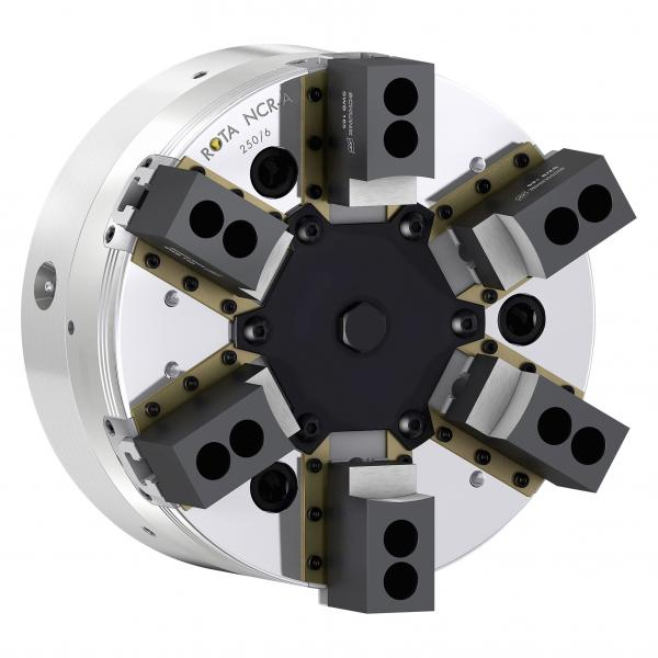 The sealed SCHUNK ROTA NCR-A allows for gentle and precise clamping of deformation-sensitive components. Photo: SCHUNK