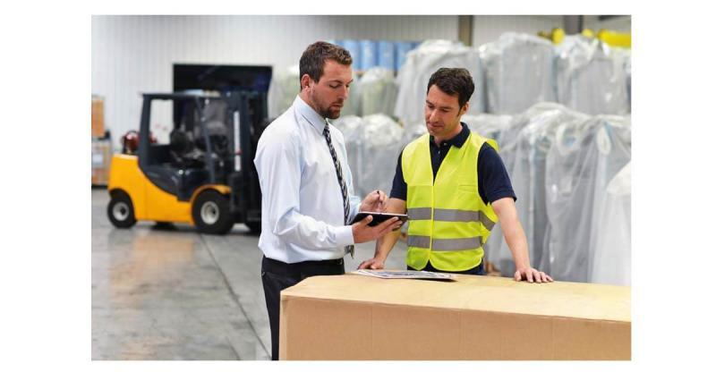 """Mit dem PROXIA MES Modul """"Innerbetriebliche Transportlogistik"""" werden die lagerortbezogenen Bestände von Halbfabrikaten geführt und entsprechende Lagerorte dokumentiert. Zudem können Materialien auf andere Lagerorte, Maschinen oder Handarbeitsplätze umgebucht werden."""