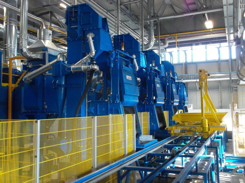 AGTOS Muldenband-Strahlanlagen im kontinuierlichen Betrieb