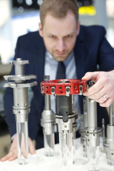 Mapal, Aalen, (Halle 14, Stand D 31) zeigt Sonderwerkzeuge zur Bear-beitung von Statorgehäusen für Elektromotoren sowie für Teile aus der Automobilindustrie.