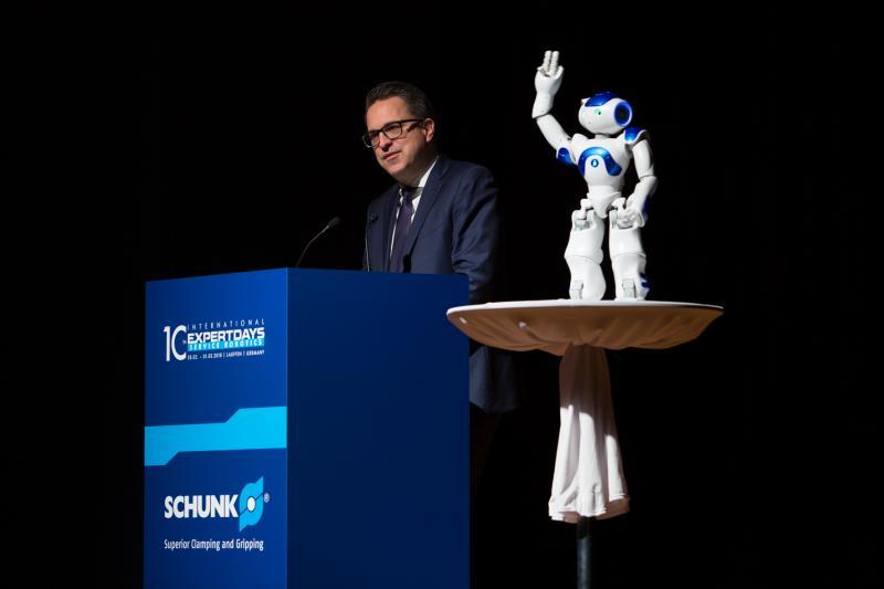 10th International Expert Days on Service Robotics – die multinationale Denkfabrik