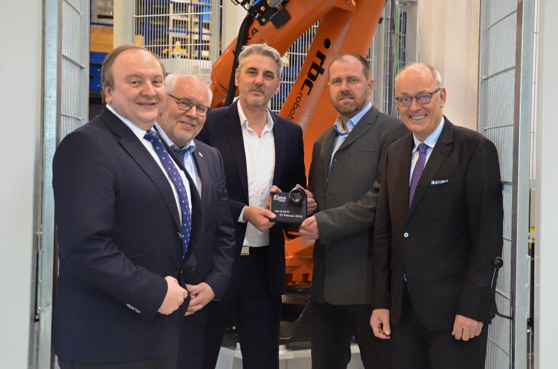 """The DVS TECHNOLOGY GROUP is further extending its """"Machine Tools & Automation"""" sector. As announced by the Board of the Company Group, DVS will be taking multiple stakes in rbc Fördertechnik GmbH backdated to January 1, 2018. The company, based in Bad Camberg, Hesse/Germany specialises in automation, including camera-guided robot systems for machine tools. With 35 employees, rbc Fördertechnik GmbH achieved a turnover of around 7 million EUR in the fiscal year 2017."""