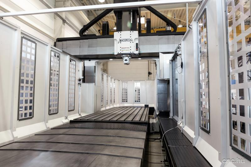 EVENT - DOUBLE COLUMN MACHINING CENTRE MCR-A5CII