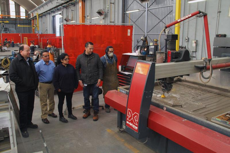 (left to right): Ing. Rafael Isaias (Mexico National Sales Manager, Dormer Pramet), Ing. Cesar Martinez (General Manager, CC Tools), Ing. Jessica Garcia (Manufacturing Manager, KUKA), MA Eduardo Medina (Director of Operations, KUKA)