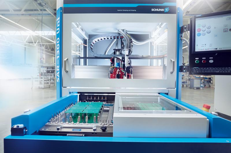 MAGNOPLATE is compatible with all standalone depanelling machines from SCHUNK Electronic Solutions. Bild: SCHUNK