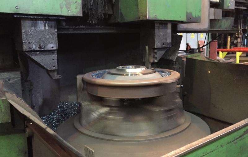 La producción de ruedas nuevas para ferrocarril se puede realizar con el surtido estándar de placas de corte RCMX de Dormer Pramet.