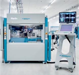 Das Die-Sorting-System DS Merlin von Mühlbauer kann mit bis zu 30.000 Dies pro Stunde deutlich mehr Halbleiter-Bauteile verarbeiten als das Vorgängermodell.