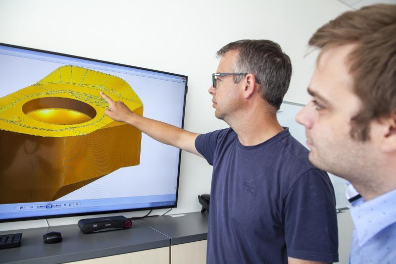Jan Vlček and Jan Bittner review the BNGX insert design.