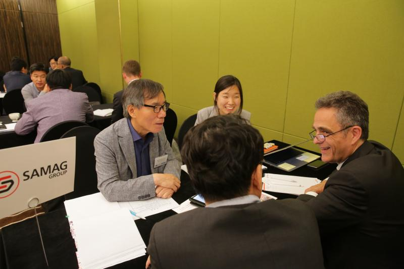 Almost 80 bilateral meetings had already been bindingly scheduled in the run-up to the VDW's symposium.