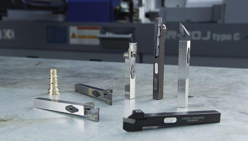 """Das clevere Wechselkopfsystem XHeadClamp ist eines von vielen weiteren innovativen Werkzeugen für Langdrehmaschinen im neuen Spezialkatalog von WNT """"Werkzeugauswahl fürs Langdrehen""""."""