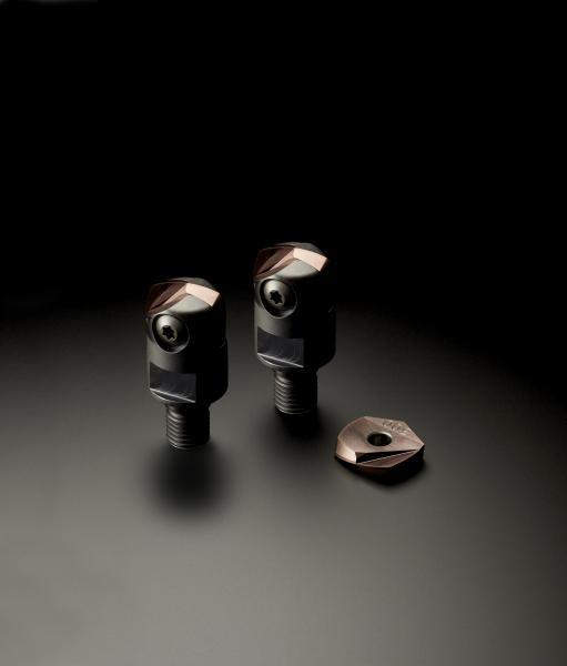 Das Monoplattenwerkzeug GP1LB zeichnet sich durch eine kombinierte Linsen-Tonnengeometrie sowie eine hohe Halter-Platten Genauigkeit aus und ermöglichen durch das Konzept des Einheitshalters eine einfache und anwenderfreundliche Implementierung in den Produktionsablauf.