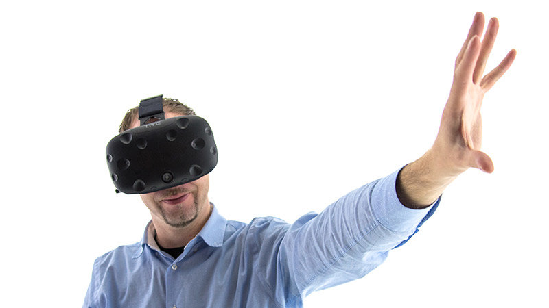 Eintauchen in die Virtual Reality: Das Gefühl, sich wirklich in der virtuellen Umgebung zu befinden, soll gesteigert werden.