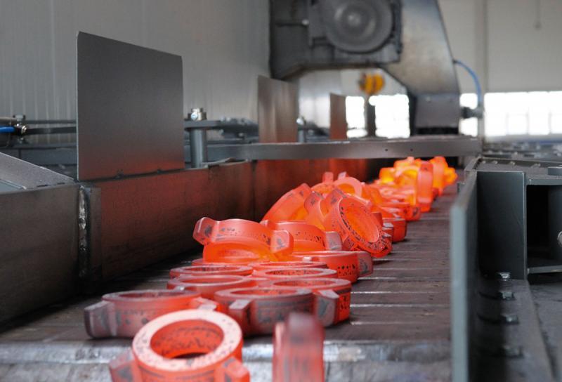 Herzstück der Fertigung – Mit einer Hochleistungswarmpresse von Hatebur ist PENN in der Lage, pro Stunde bis zu 4.000 Präzisionsschmiedeteile mit einem Teilegewicht bis zu 3 kg herzustellen.
