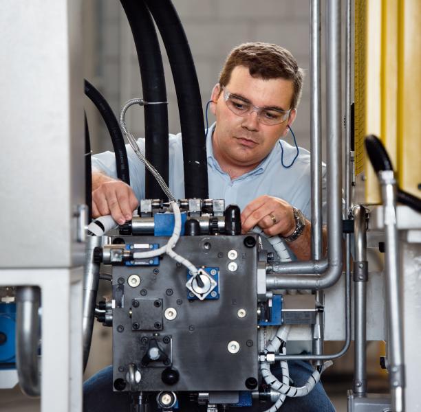 Neues Servicenetz Industriehydraulik: Techniker in zwei Autostunden vor Ort