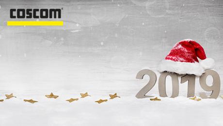 Wir bedanken uns herzlich für das entgegengebrachte Vertrauen im vergangenen Jahr und wünschen Ihnen ein frohes Weihnachtsfest, erholsame Festtage und einen guten Start in ein gesundes, glückliches neues Jahr. Wir freuen uns auf eine gute Zusammenarbeit und wünschen Ihnen weiterhin viel Erfolg mit COSCOM Produkten und Prozesslösungen.
