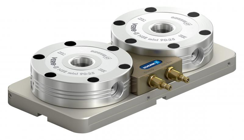 The compact miniature clamping stations SCHUNK VERO-S NSL mini 100-25 have high pull-down forces, a high rigidity, and are completely sealed. Photo: SCHUNK