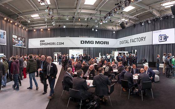 Unter dem Schlagwort Integrated Digitization präsentiert der Technologieführer zur Hausausstellung Wege in die vernetzte Produktion.