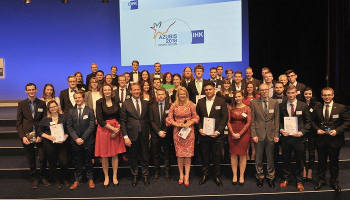 The nation's 213 best Chamber of Commerce and Industry apprentices gathered in Berlin. Eric Schweitzer, President of the DIHK presented the awards. Actress Barbara Schöneberger hosted the event.