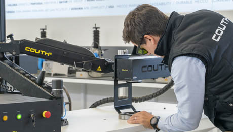 We are the specialist in industrial marking and traceability. COUTH® manufactures a wide range of marking machines for the traceability of parts in cutting-edge industrial sectors. Our extensive experience in industrial marking means we can offer our customers the most innovative microdot and scribe marking technology.