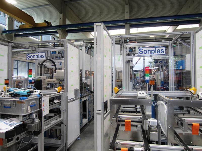 Die Sonplas GmbH stellt seit 1993 für Kunden weltweit automatische Montage-, Fertigungs- und Prüfanlagen für die Entwicklung und Produktion am Standort Straubing her