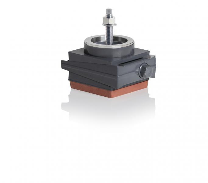 SLZ-ASA – anschraubbar an die Maschine mit Schrägenausgleich   -Sichere Positionierung bei schrägen Böden oder unebenen Maschinenstandflächen. -spannungsfreier Ausgleich von Bodenunebenheiten bis 3° durch Kugelring.  Bestückung Unterseite mit Schwingungsisolierplatten IPL bestückt.