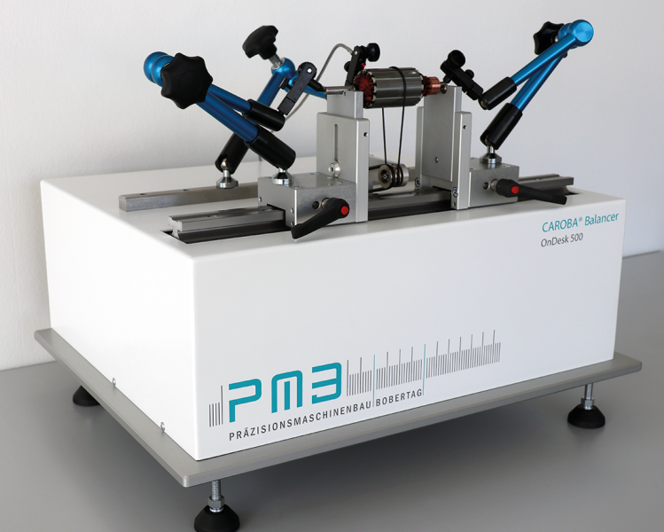 With its compact balancing system OnDesk 500, PMB - Präzisionsmaschinenbau Bobertag GmbH has developed a fully-featured, complete balancing stand that makes impressively good residual unbalances possible. Small and light, it allows flexible use wherever it is needed.