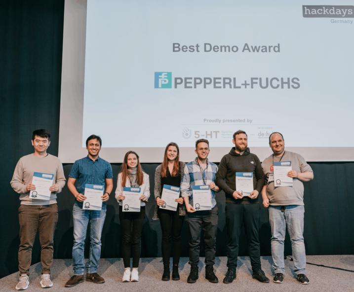 Ein Pepperl+Fuchs Team erhielt den Preis für die beste Lösung.